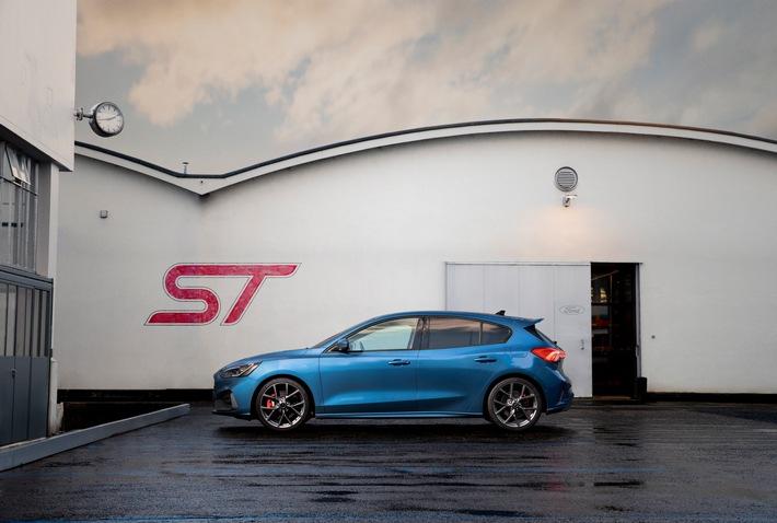 Ford-Werke unterstützen Saarlouiser Woche und präsentieren neue Ford Focus-Modelle