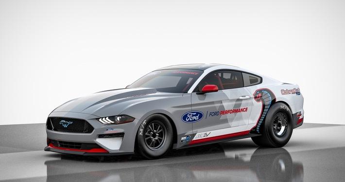 Ford Performance präsentiert ersten rein elektrischen Mustang Cobra Jet 1400-Dragster-Werksrennwagen
