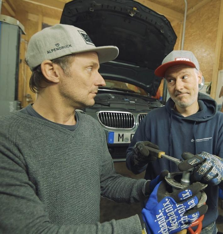 """KÜS: """"Roots Racing"""" alias Tim Schrick und Luke Gavris neu bei KÜS Media / Schrauber-Tipps, Talkrunden, interessante Videos aus dem Bereich Motorsport mit hohem Spaßfaktor"""