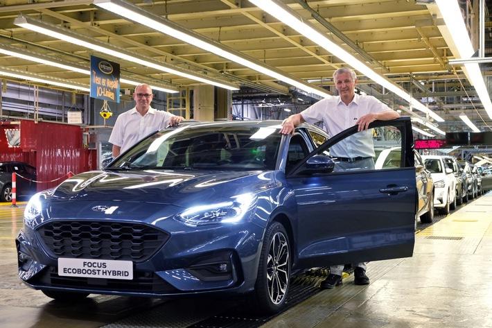 Serienstart in Saarlouis: Ford Focus EcoBoost Hybrid läuft vom Band