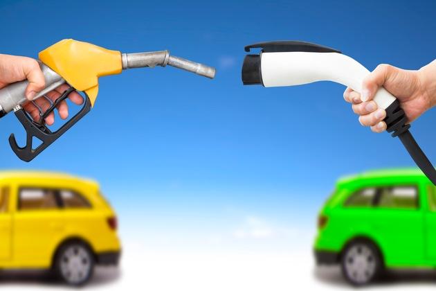 30 Prozent der Autofahrer sehen Hybride, fast 20 Prozent Wasserstoff als Antriebsformen der Zukunft