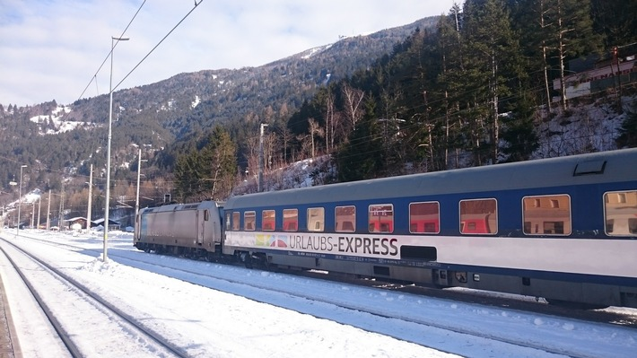 Mit dem Urlaubs-Express Nachtzug in die schönsten Skigebiete Bayerns und Österreichs