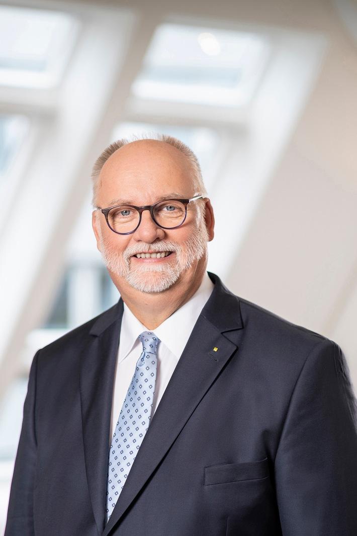 ADAC Verkehrspräsident Gerhard Hillebrand in DVR Vorstand gewählt Club ist größter Anbieter von DVR Programmen für Verkehrssicherheit