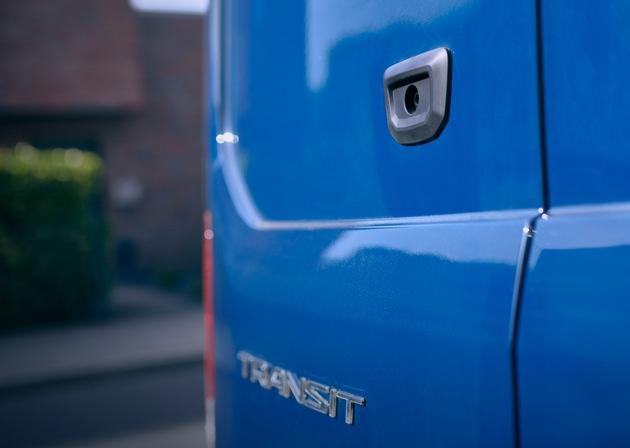 Smarter Rückspiegel für Ford-Nutzfahrzeuge verbessert Sicht auf rückwärtigen Straßenverkehr