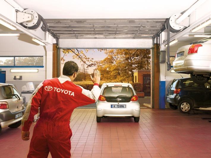 Gebraucht- oder Neuwagen – bis zu zehn Jahre* Garantie für jeden Toyota Garantiemodell Toyota Relax greift auch bei nicht durchgängiger Garantiedeckung und unvollständigem Scheckheft