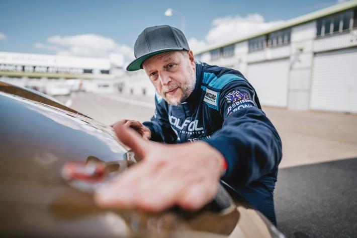 Rennen um innovative Technik: Smudo startet beim Int. 24h-Rennen mit Green-Tech-Porsche