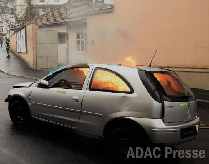 Unfall im Ausland: So schützen sich Autofahrer vor Ärger / Auslandsschadenschutz bietet ein Plus an Sicherheit und Unterstützung