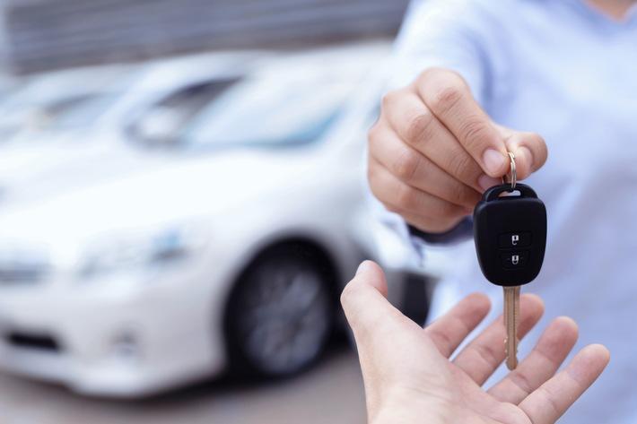 """Als Online-Auto-Marktplatz mit neuem Service alle Kundenbedürfnisse abdecken YesAuto führt Funktion """"Verkaufen"""" ein und verlegt so die komplette Kundenreise in den digitalen Raum"""