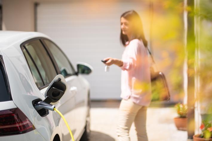 Volle Flexibilität beim E-Auto-Laden: Yello bietet Autostromtarife für zuhause und unterwegs an